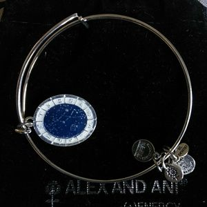 🌟NWOT🌟Alex & Ani Virgo Constellation Bangle